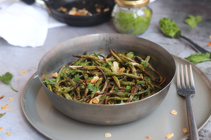 "Crispy Green Beans with Parsley Tahini ""Butter"""
